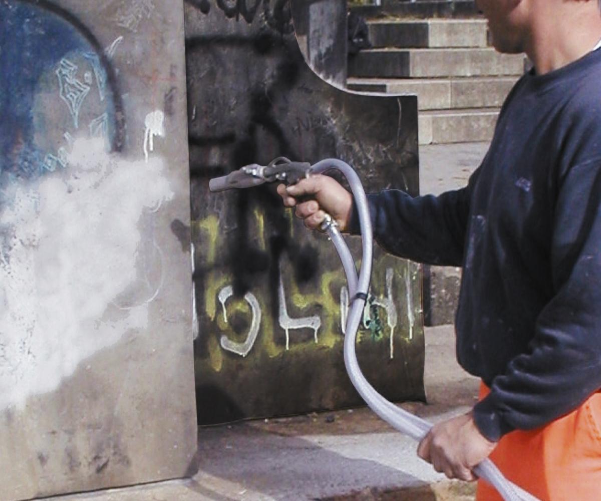 Graffiti beseitigen: Abstrahlen